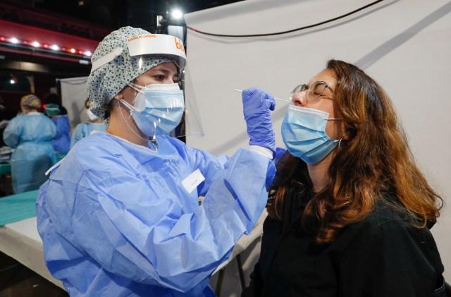 2021 03 27T084423Z 562968327 RC2KJM9WJXYS RTRMADP 3 HEALTH CORONAVIRUS SPAIN CONCERT - España tuvo su primer concierto masivo en pandemia sin distanciamiento social (FOTOS)