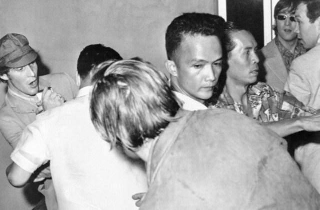 Screenshot 14 2 - El día que quisieron linchar a los Beatles en Manila (Fotos)