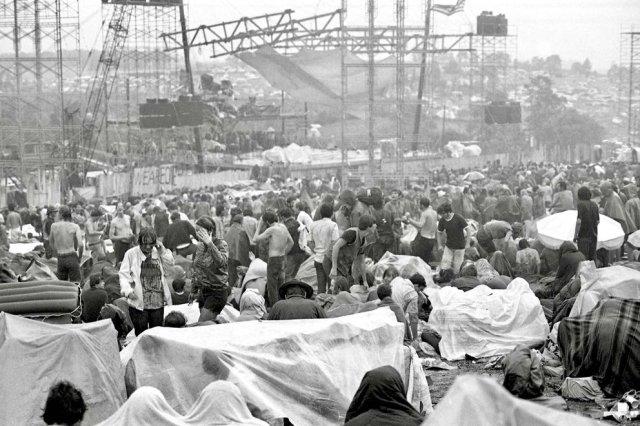 Woodstock 5 - Entre el barro, las drogas y el amor libre: Cómo fue Woodstock, el festival de rock que cambió la historia