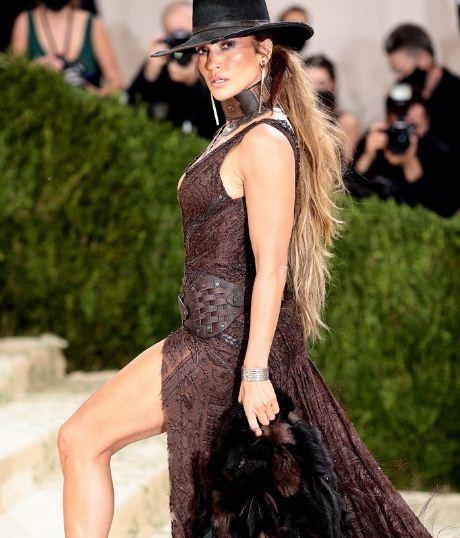 3 32 - El apasionado beso con mascarilla de Jennifer Lopez y Ben Affleck en la MET Gala 2021 (FOTOS)