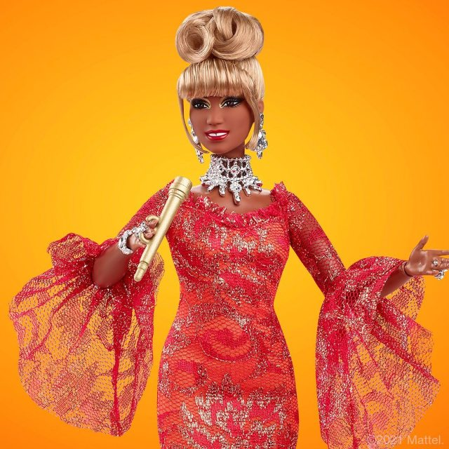 E WzqX WUAI9dpR - La ESPECTACULAR Barbie que rinde homenaje a la cantante Celia Cruz (FOTOS)
