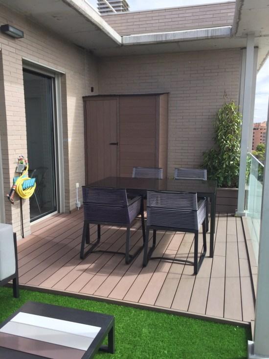 Armario de terraza sintético.