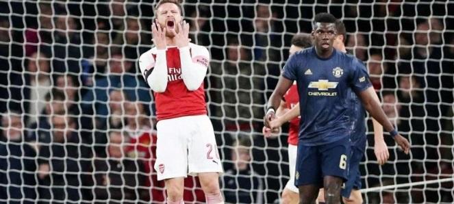 Manchester United deja sin Copa al Arsenal