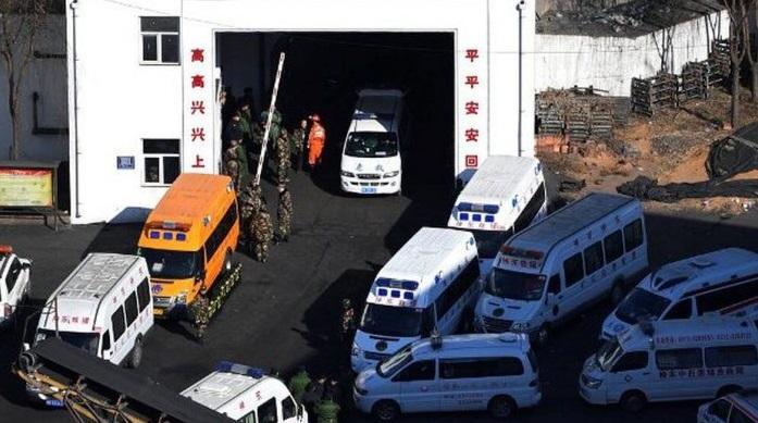 Colapso de mina en China deja 21 muertos