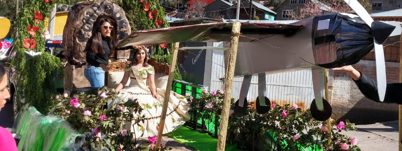 Espectacular desfile de primavera en Guadalupe y calvo.