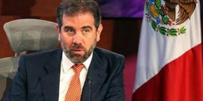 Se ampara consejero presidente del INE por reducción a sueldo
