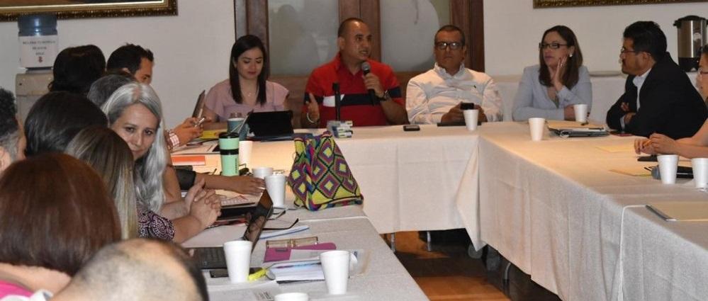 Celebra alcalde de Guadalupe y Calvo mesa de trabajo en la capital