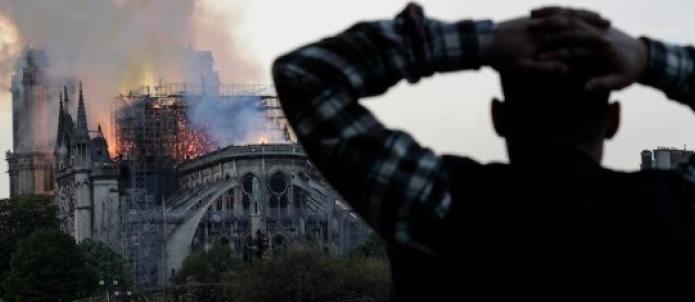 México ofrece solidaridad a Francia por incendio en Notre Dame