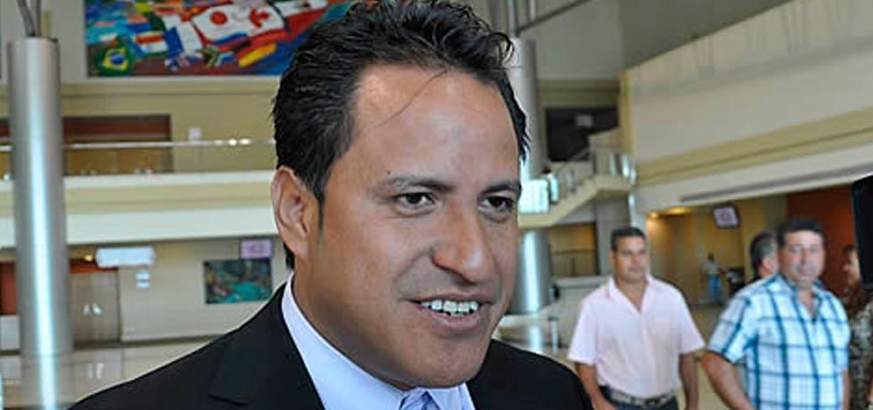 'Multas, cárcel y hasta una chinga a quien tire basura en río de Jiménez': alcalde