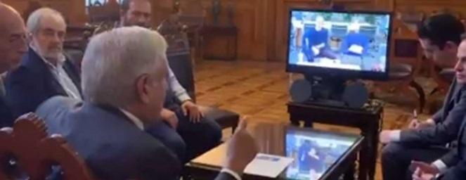 López Obrador dialoga con Mark Zuckerberg a través de videoconferencia
