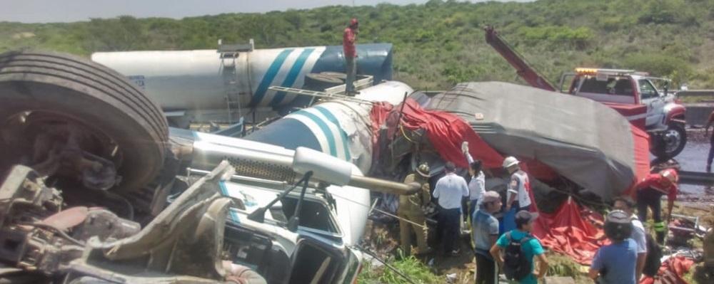 Deja 3 muertos accidente en carretera Veracruz – Cardel