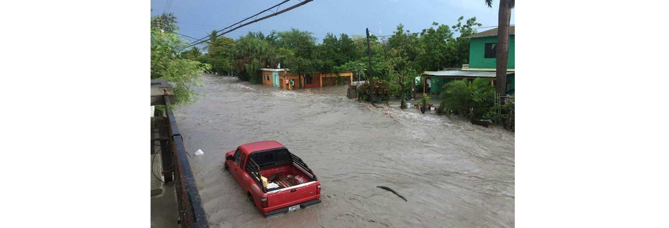 Fuertes lluvias convierten calles de Tamaulipas en ríos