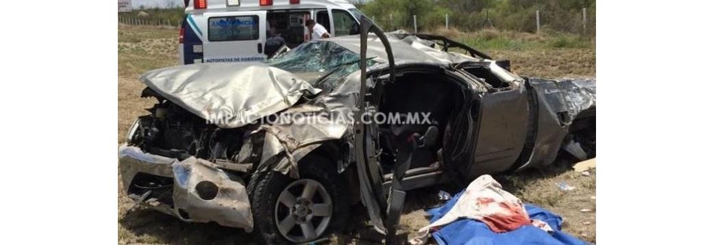 Muere en volcadura sobre autopista Camargo-Saucillo