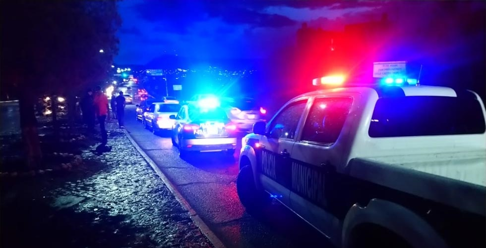 Violento asalto a gasolinera y Oxxo en Parral
