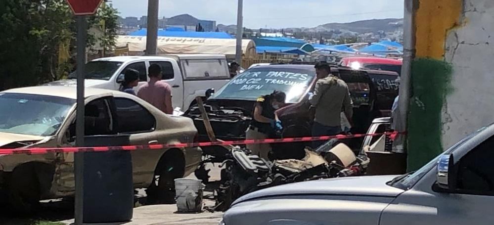 Hallan ejecutado frente a lote de autos san josé en Cd. Chihuahua
