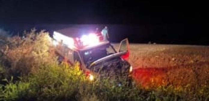Ambulancia se sale de camino y deja tres lesionados