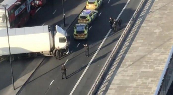 Tiroteo en Londres provoca pánico, policía abate a tirador