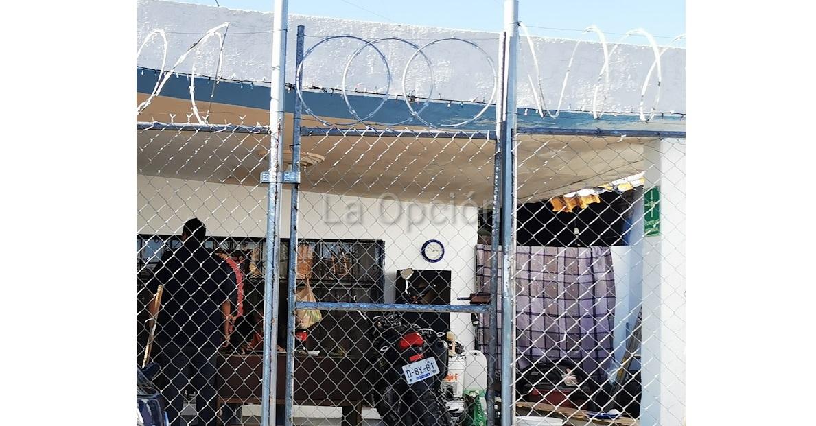 Se fugan 6 internos de centro tras asesinato