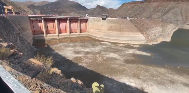 ¡Vacían presa El Granero! Indignación entre agricultores (VIDEO)