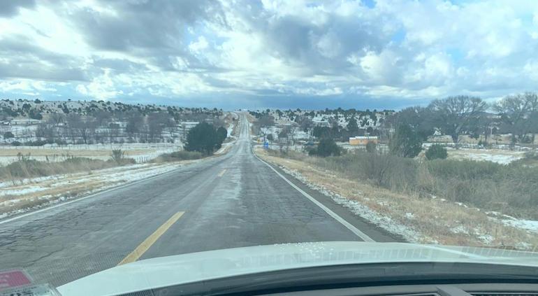 Reabren carreteras cerradas por nevada en la Sierra