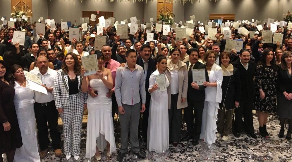 Se casan 935 parejas en bodas colectivas 2020