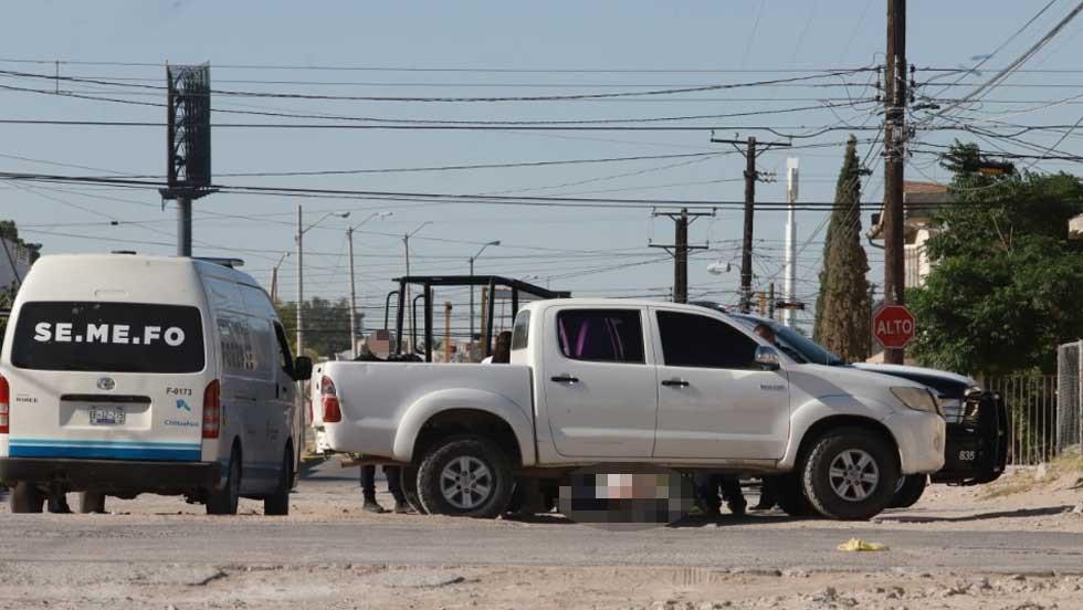 Tiran cadáver envuelto en cobijas en Ciudad Juárez