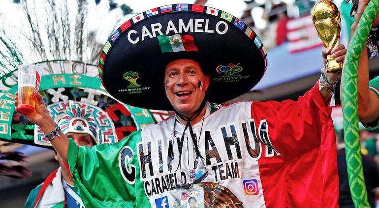 Nombraría la Fifa a Caramelo Chávez como mejor aficionado del mundo
