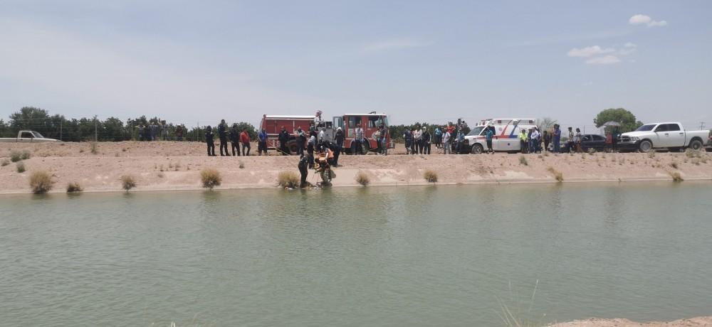 Rescatan cuerpo de uno de los 2 que cayeron al canal conchos