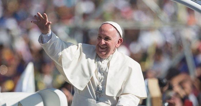 Papa Francisco dona 3 respiradores artificiales a México para enfrentar covid