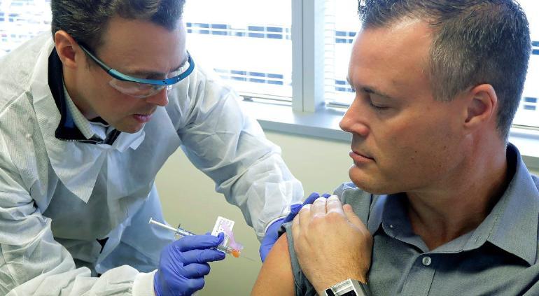 Se disparan acciones de empresa que vacunará a 30 mil contra COVID