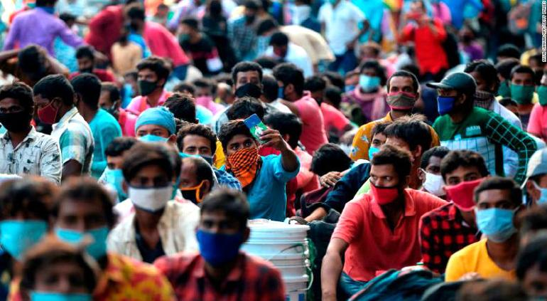 Eleva India récord de registro diario de casos de Covid a 95 mil