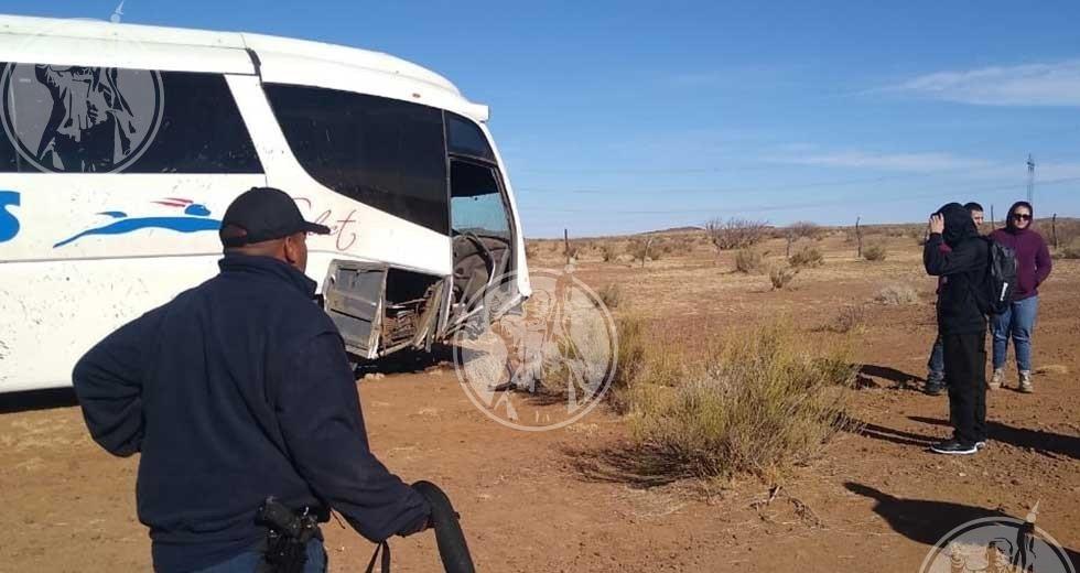 Se accidenta camión que iba a Juárez, reportan varios lesionados