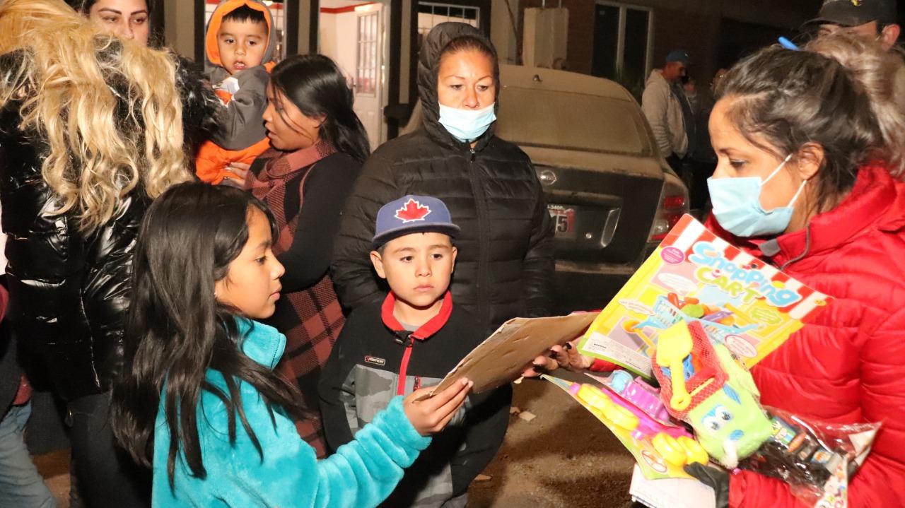 Cuauhtémoc > Lleva Municipio regalos y alegría a niños de las colonias Tarahumara, Alcaldes y Los Olivos
