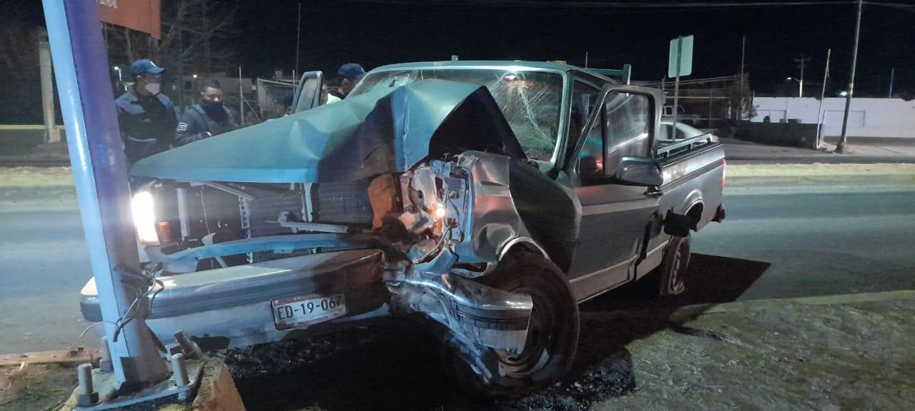 Cuauhtémoc > Choque contra poste deja una persona sin vida; detienen al conductor