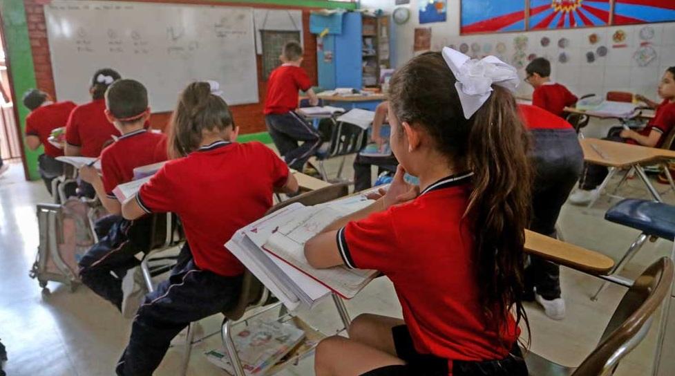 Eliminarán 171 plazas de maestros en este año