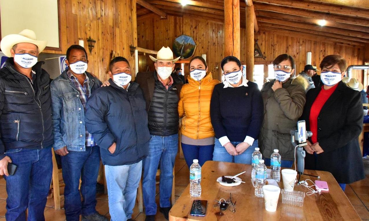 El pre candidato a la gobernatura por el PAN Gustavo Madero busca apoyo en la zona serrana occidente
