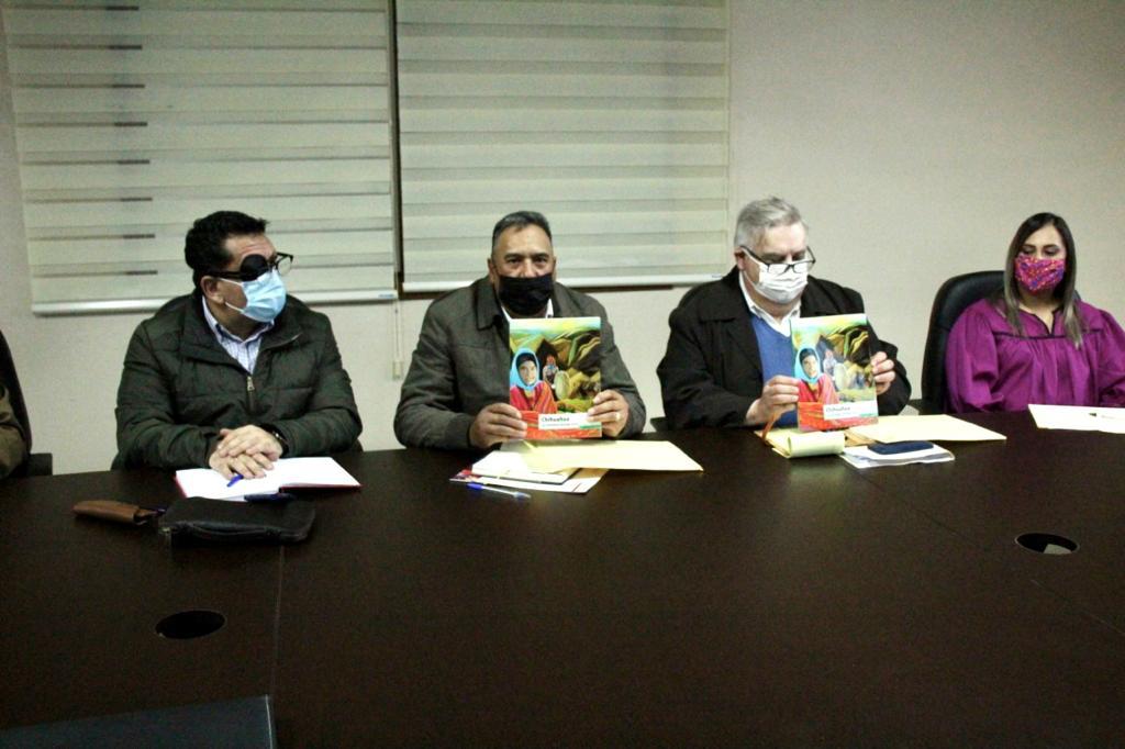 Secretario de Educación y Deporte Estatal se reúne con autoridades educativas de Guachochi