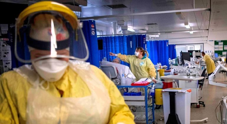 Familias enteras y jóvenes graves: narran en hospital de Londres
