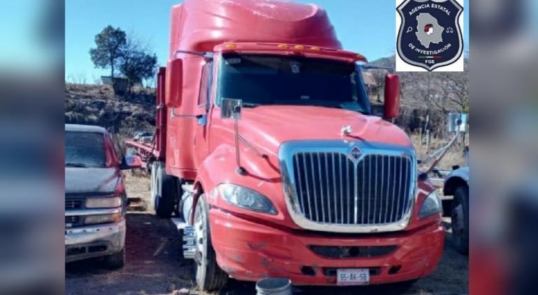 Aseguró Fiscalía tractocamión con reporte de robo en Urique
