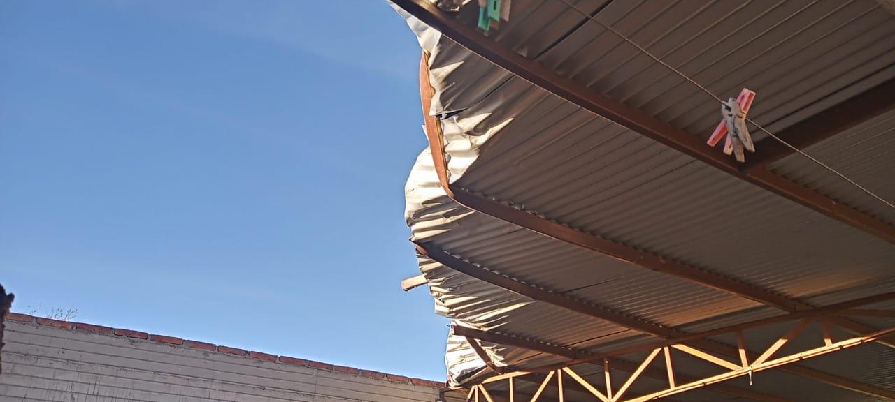 Vientos provocan varios daños en Cuauhtémoc