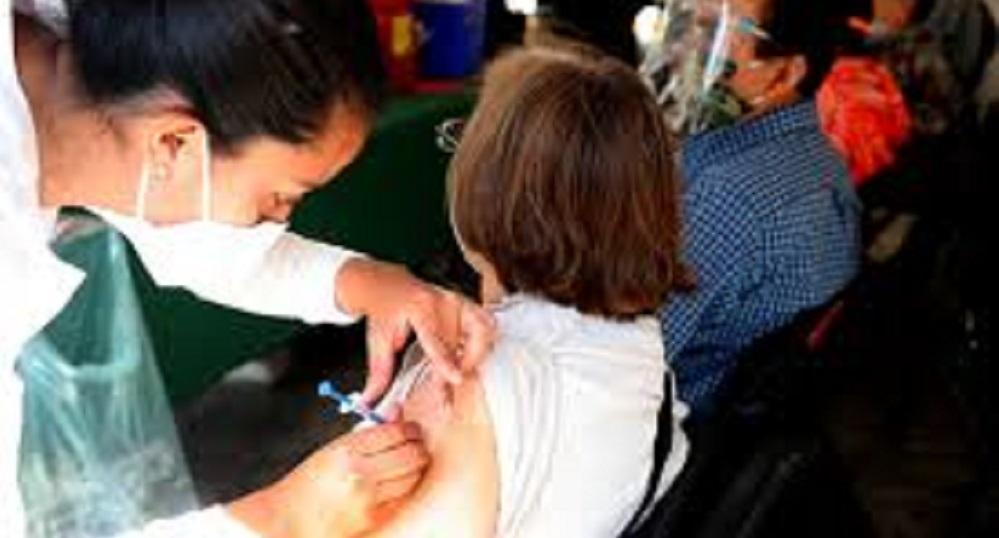 Aplicación extraordinaria de la segunda dosis de la vacuna Astra Zeneca contra covid-19 para aquellos adultos mayores del municipio de Chihuahua que se pusieron su primera dosis en la sierra, será el próximo 26 y 27 de abril aquí en la ciudad de chihuahua para evitar movilidad