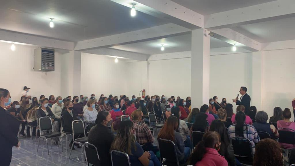 Quiero que tengan oportunidades de verdad, como las merecen: Pablo Moreno a mujeres.