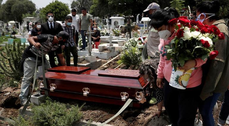 Histórico: superará México por 1ª vez el millón de muertes en un año