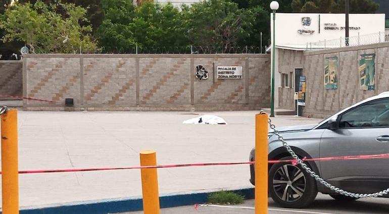 Balacera afuera de Fiscalía en Juárez; ejecutan a uno tras liberación