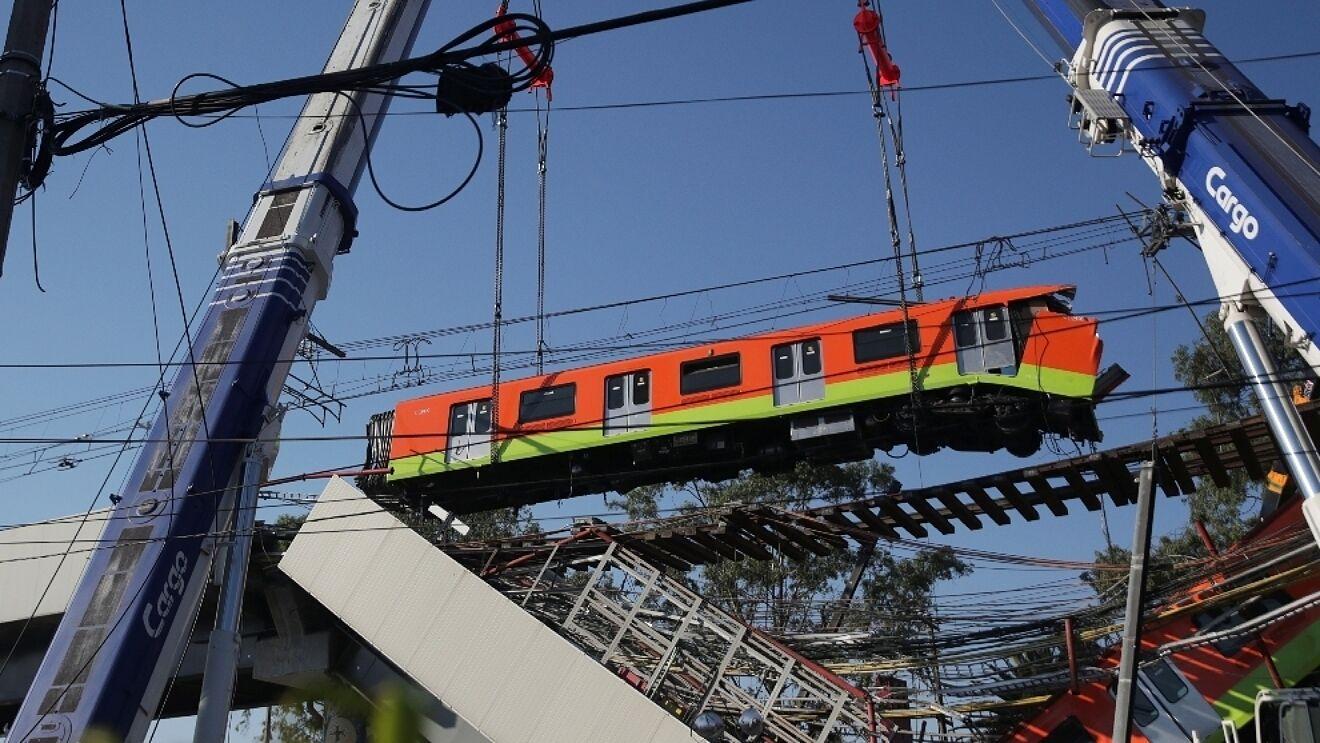 Colapso en la Línea 12 fue por prisa del gobierno de Ebrard y trabajos de mala calidad: NYT