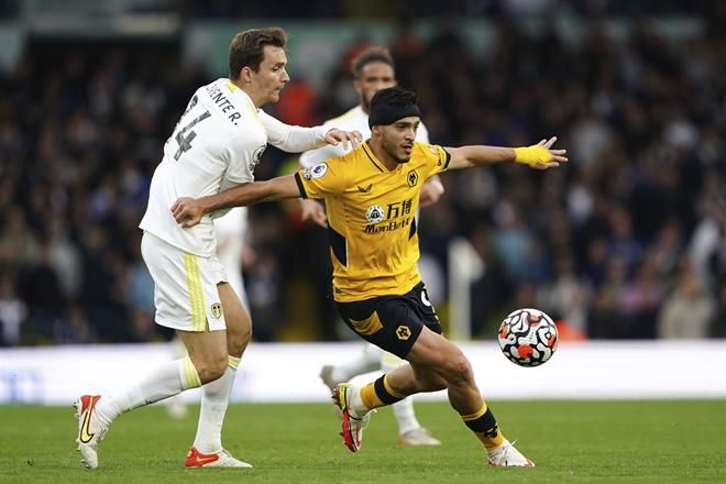 Saca Leeds empate a Wolves de último minuto