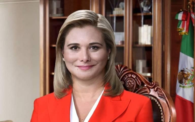 Presentan foto oficial de la gobernadora Maru Campos