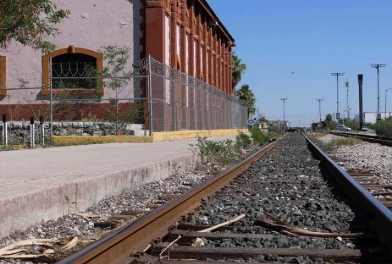 Tren le amputa ambas piernas a migrante en Gómez Palacio