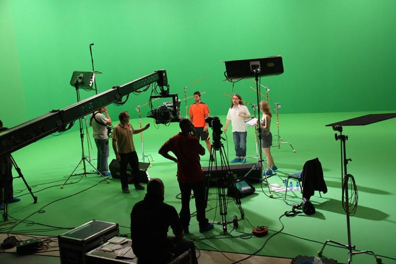 Rodaje en un plató de croma. Imagen tomada de adisar.com