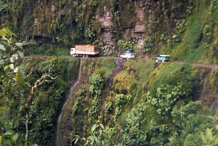 Mot dangerous things in the world-Most dangerous road: Yungas Road, Bolivia